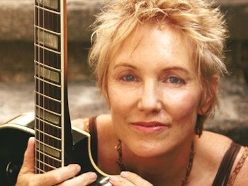 Eliza Gilkyson artist photo