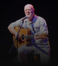 Mick Hanly artist photo