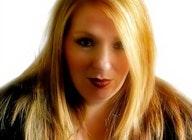 Lara Wells artist photo