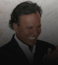 Julio Iglesias artist photo