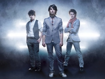 Jonas Brothers artist photo