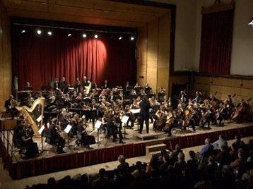 A Night At The Opera: New Bristol Sinfonia picture