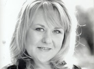 Wendi Peters artist photo