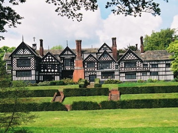 Bramall Hall picture