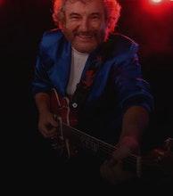 Kevin 'Bloody' Wilson artist photo