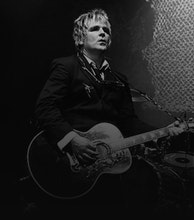 Mike Peters artist photo