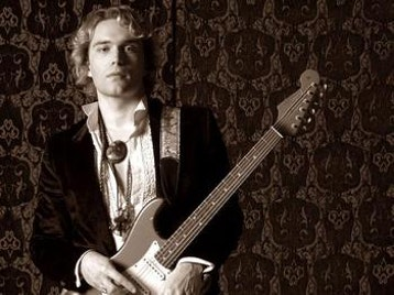 Philip Sayce artist photo