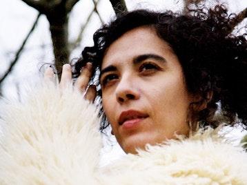 Julia Biel picture