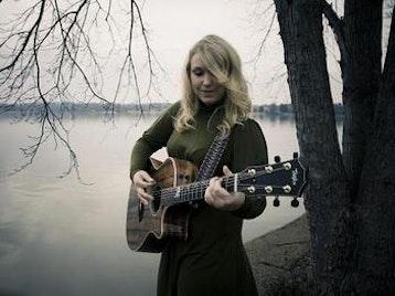 Stephanie Lambring artist photo