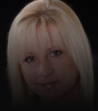 Donna Stewart artist photo