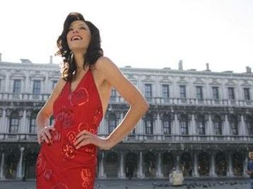 Juliette Pochin artist photo