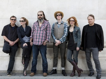 Steve Earle & The Dukes: Steve Earle picture