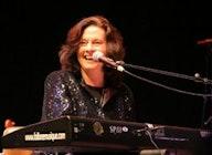 Linda Gail Lewis artist photo