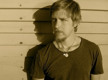 Paul Banks (Interpol) picture