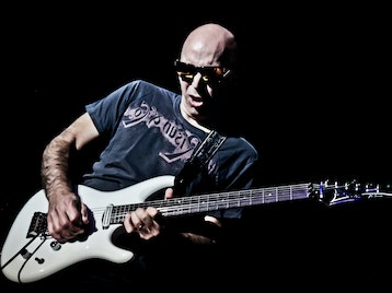 Joe Satriani artist photo