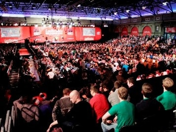 Ladbrokes World Darts Championship : Round Three picture