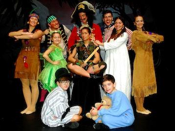 Peter Pan: Nikki Sanderson, Dawn Bellamy, Joe Chambers, David McClelland picture