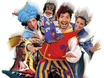 Aladdin: Lloyd Warbey, Chris Stanton, Gareth Oliver, Robbie Dee picture