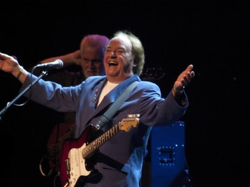 Gerry Cross The Mersey: Gerry Marsden picture