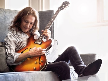 Robben Ford artist photo
