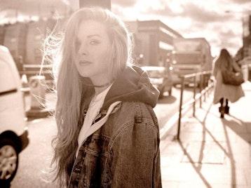 Shannon Saunders artist photo