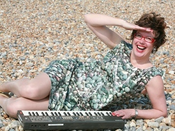 The LipSinkers, Lorraine Bowen picture