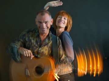An Acoustic Journey: Kiki Dee & Carmelo Luggeri, Kiki Dee picture