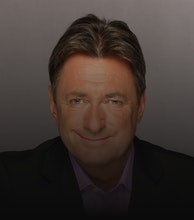 Alan Titchmarsh artist photo