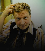 Glenn Tilbrook artist photo