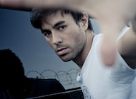 Enrique Iglesias artist photo