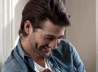 Oliver Tompsett artist photo