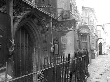 Haunted and Hidden Bristol Walking Tour picture