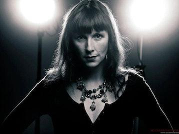 Hannah Sanders artist photo