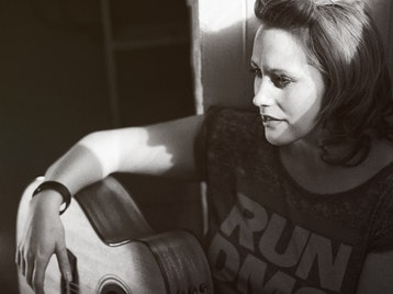 Caroline Gilmour artist photo