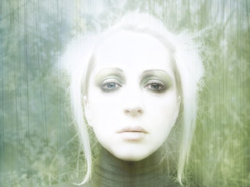 Evi Vine artist photo