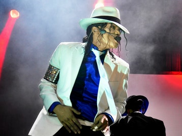 King Of Pop - The Legend Continues: Navi As Michael Jackson, Jennifer Batten picture