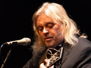 Red Lion Folk Club: Phil Beer picture