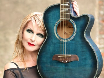 From Sheep Farming To Anthem: Toyah Willcox picture