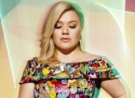 Kelly Clarkson artist photo