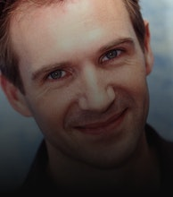 Ralph Fiennes artist photo