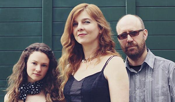 Jennifer Crook Trio, Georgia Lewis