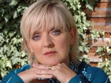 Bernie Nolan artist photo