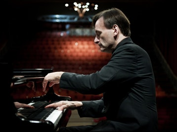 Stephen Hough artist photo