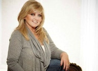Linda Nolan artist photo