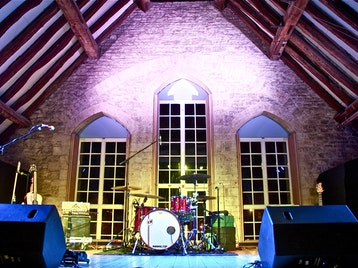 Bishops Cleeve Tithe Barn picture