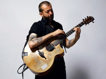 Secrets Nobody Keeps Tour: Jon Gomm picture