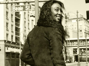 Beverley Knight artist photo