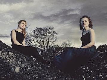 Emily & Hazel Askew artist photo