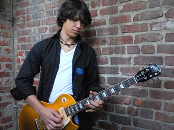 Davy Knowles artist photo