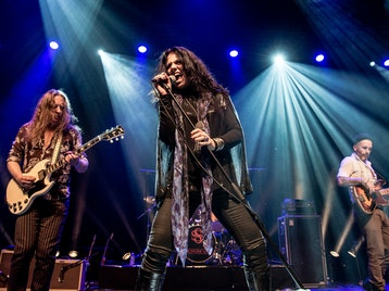 Sari Schorr & The Engine Room picture